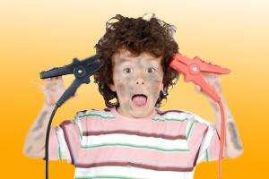 مرکز مشاوره: علائم بیش فعالی در کودکان