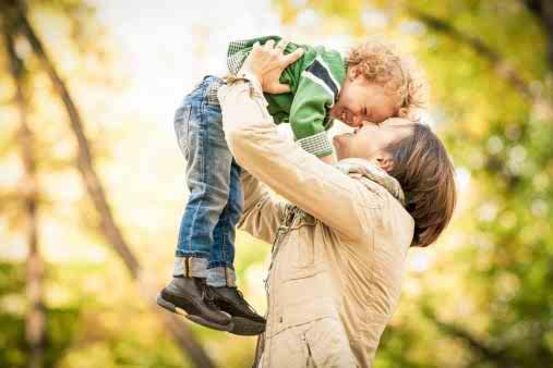 مرکز مشاوره: کودکانتان را شاد کنید